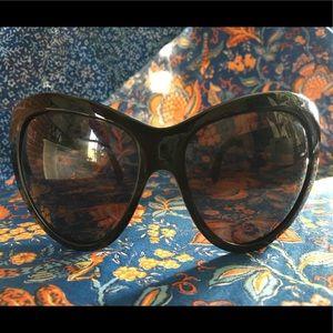 72881898a885 Yves Saint Laurent Accessories - NWOT Yves Saint Laurent sunglasses